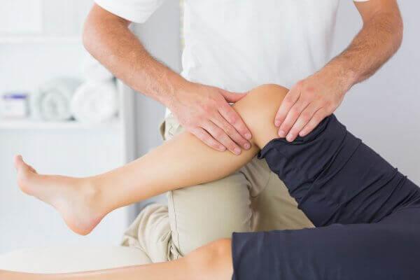 Лечение боли в коленях