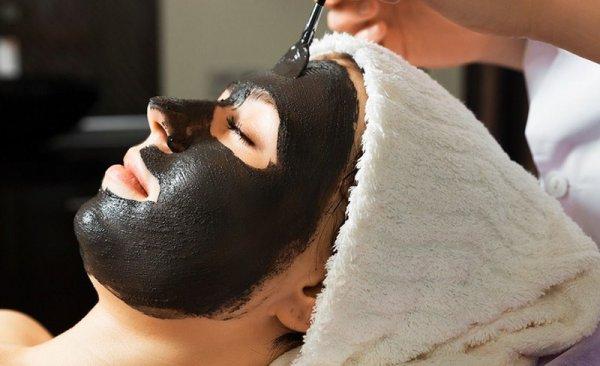 Как приготовить черную маску от черных точек