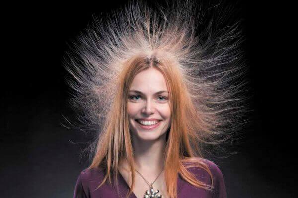 Магнитятся волосы