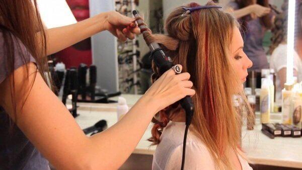 Надо ухаживать за волосами для того чтобы они росли быстрее