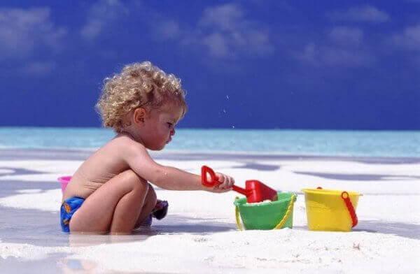 Тепловой удар у ребенка: лечение и первая помощь. Что делать в домашних условиях?