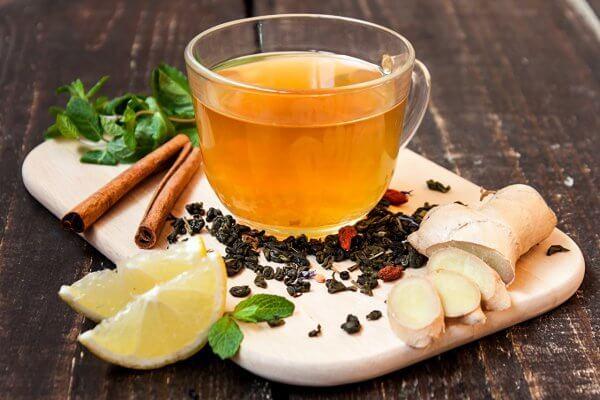 Корица имбирь и чай для пожудения со внутренней стороны бедра